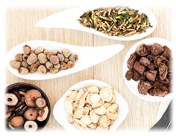 漢方薬は自然の材料を使用。体に優しい不妊治療ができます